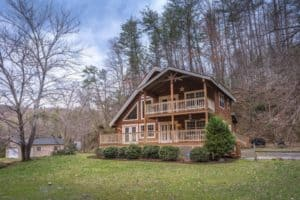Black Bear Holler cabin in Gatlinburg