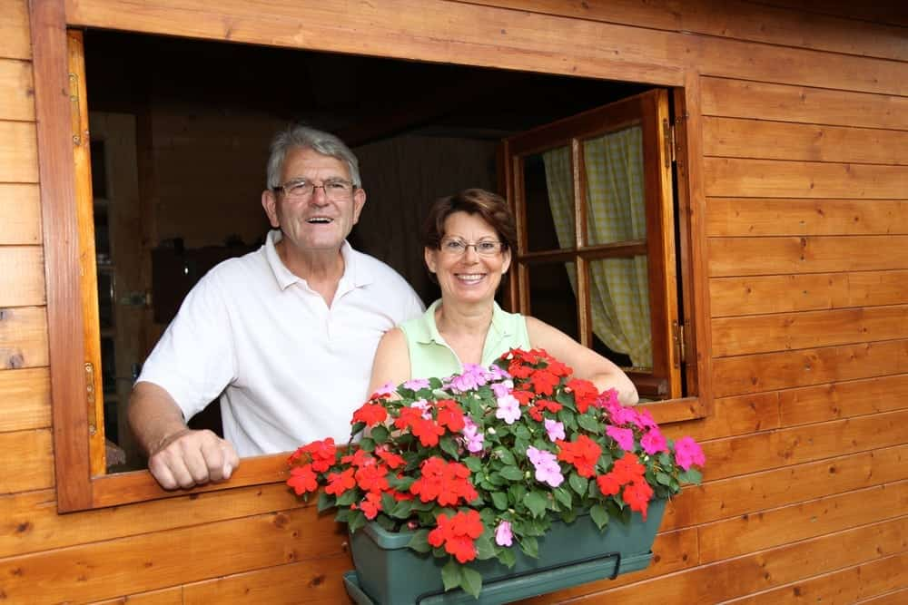 couple enjoying a vacation in a Pigeon Forge vacation cabin rental