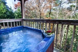 Hot tub at the Gristmill cabin