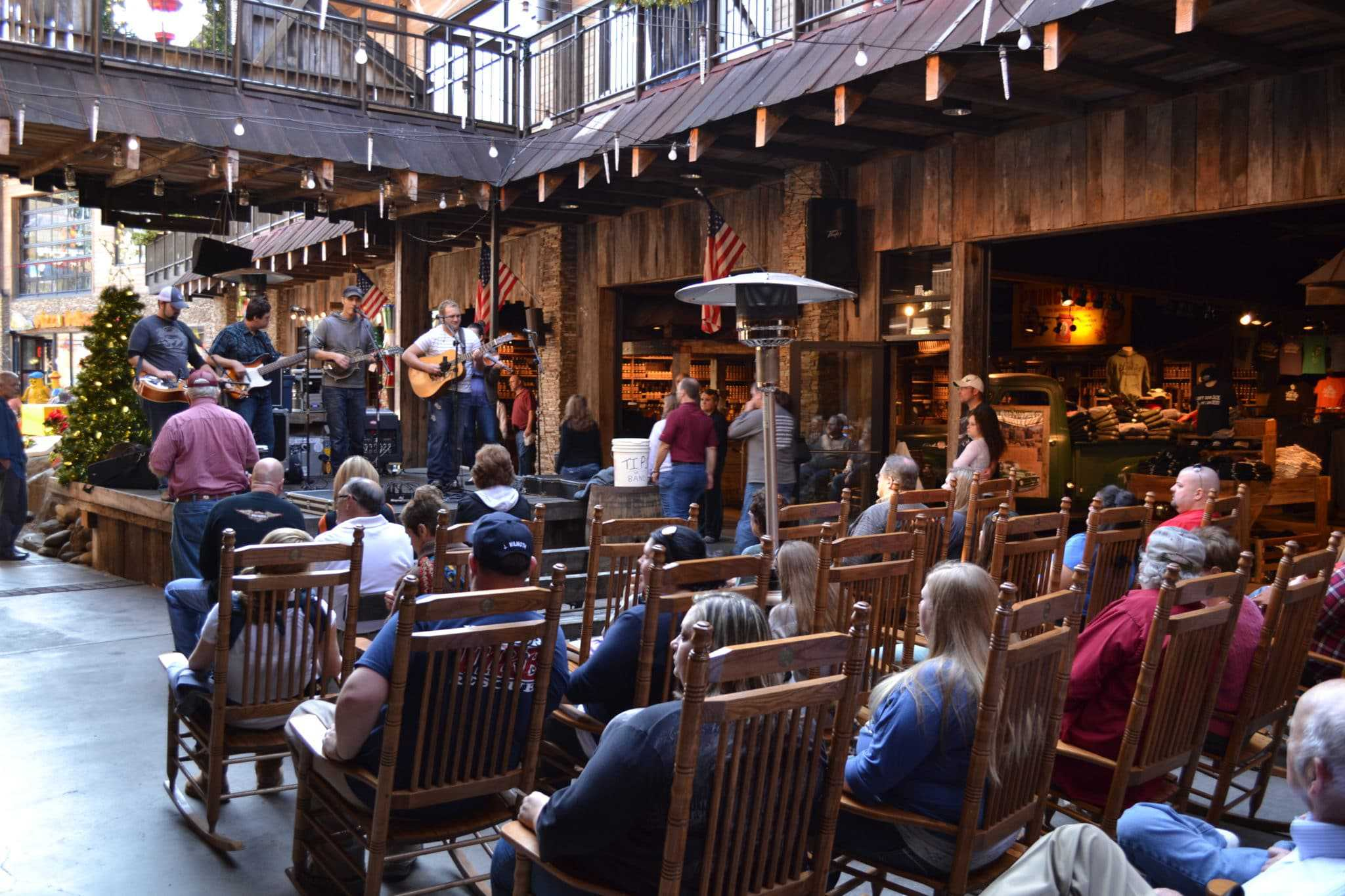 live concert at ole smoky moonshine
