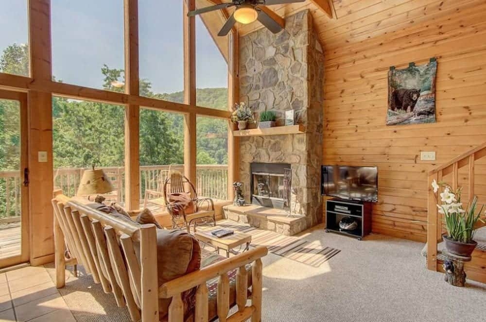 1 bedroom cabin living room with mountain views